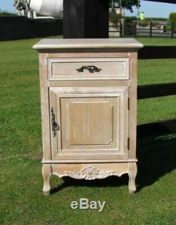French Louis XV Shabby Chic Style Bedside Cabinet (cy16818)