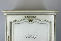 Vintage French shabby chic Louis XIV/ Sideboard / Cabinet
